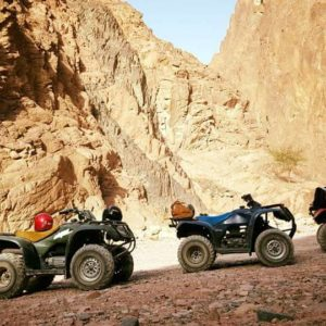 טיול יום טרקטורונים במדבר + סיבוב בטיילת דהב (יוצא מטאבה)
